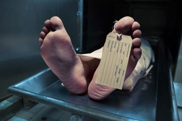 Toe tag on a dead body